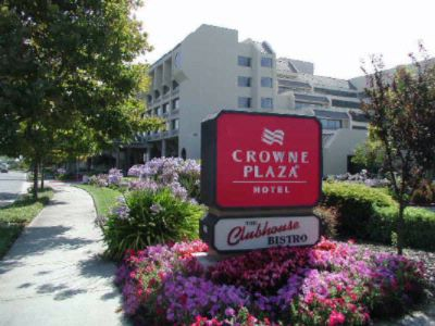 Crowne Plaza Foster City 3 of 8