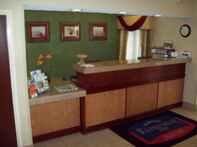 Front Desk 3 of 7