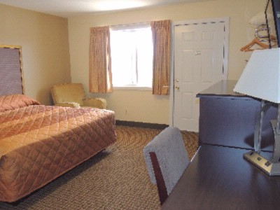 Newly Remodeled King Room 9 of 10