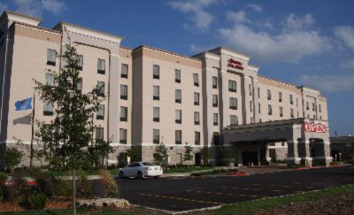 Hampton Inn & Suites Tulsa / Catoosa 1 of 10