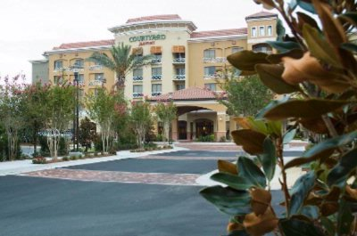 Entrance To The Courtyard By Marriott Sandestin 2 of 4