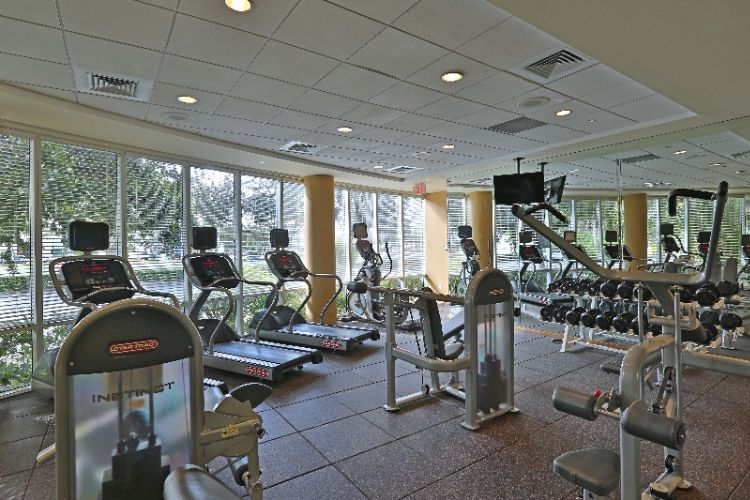 Fitness Center 21 of 22