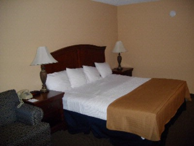 1 Room Suite With King Bed 4 of 5