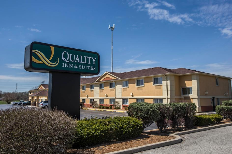 Quality Inn & Suites South 1 of 12