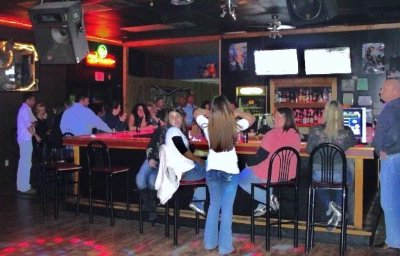 Inn Bar Billards Flat Screens Dj/dance 6 of 14
