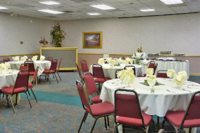 Banquet Room 7 of 10
