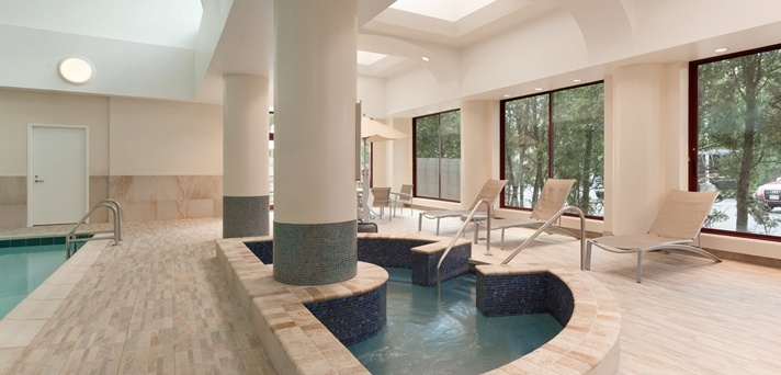 Indoor Jacuzzi 3 of 29