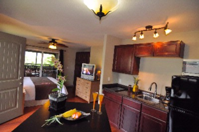 A Beautiful Paradise Bay Resort Studio Suite With Kitchenette & Large View Lanai 6 of 16