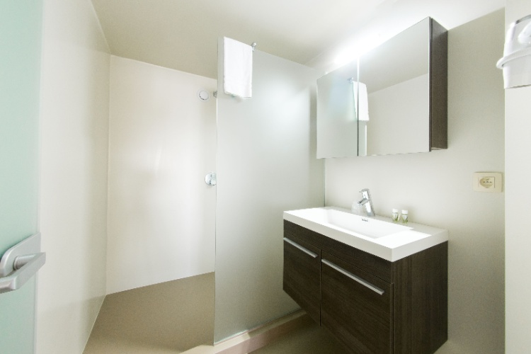Arass Business Flats Duplex Superior Apartment : Bathroom 11 of 15