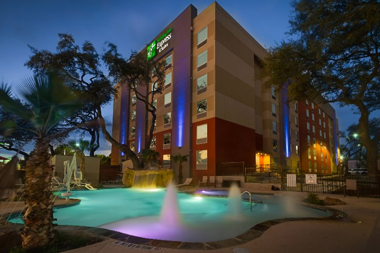 Now You Can Stay At The Holiday Inn Express & Suites Medical Ctr North With Resort Style Pool San Antonio Tx 210-561--9058 2 of 31