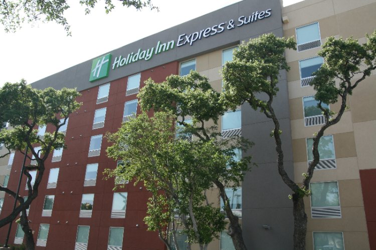Now You Can Stay At The Holiday Inn Express & Suites Medical Ctr North With Resort Style Pool San Antonio Tx 210-561--9058 17 of 31