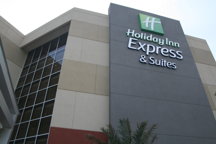 Now You Can Stay At The Holiday Inn Express & Suites Medical Ctr North With Resort Style Pool San Antonio Tx 210-561--9058 18 of 31
