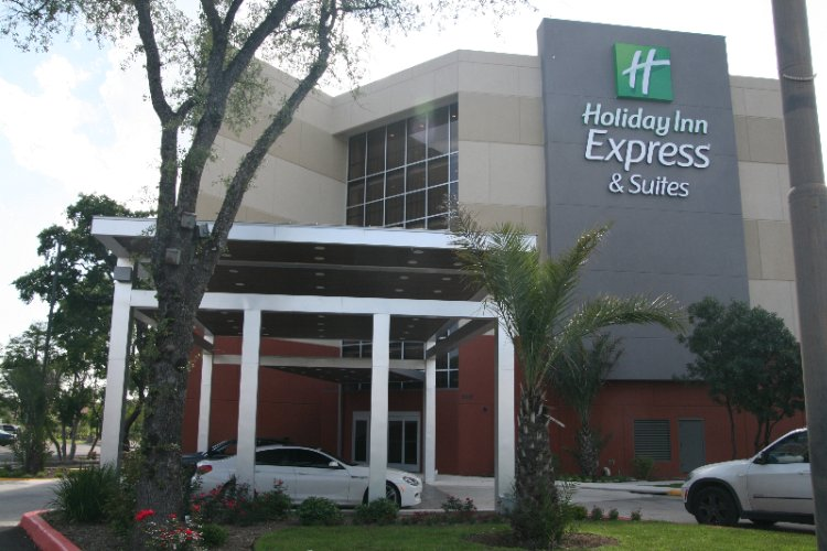 Now You Can Stay At The Holiday Inn Express & Suites Medical Ctr North With Resort Style Pool San Antonio Tx 210-561--9058 19 of 31