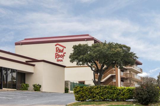 Red Roof Inn 8210 North I 35. Austin TX 78753