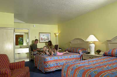 Holiday Inn Hotel & Suites Main Gate East Deluxe Standard Rooms
