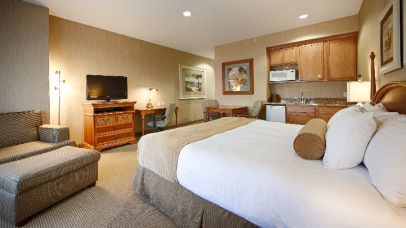 Spacious Well Maintained Guest Rooms 4 of 10