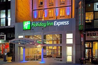 Holiday Inn Express New York City Fifth Avenue 1 of 11