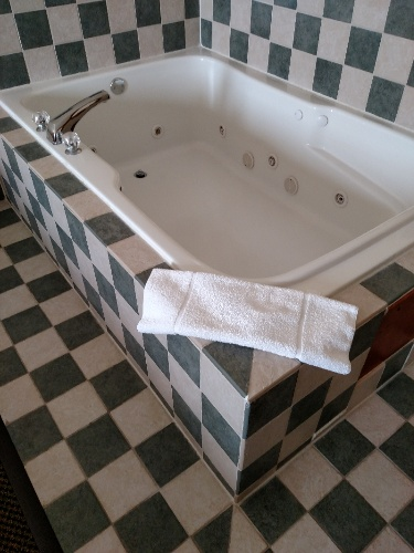 Spa Tub In The King-Spa Room 9 of 23