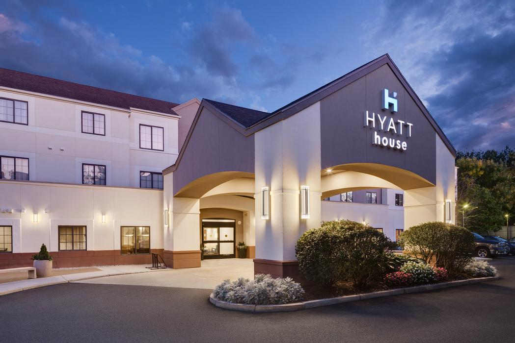 Hyatt House Boston / Waltham 1 of 10