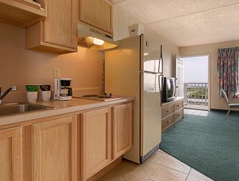 Oceanfront Kitchenette 7 of 13