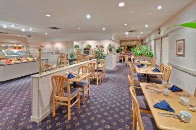 Oscar\'s Onsite Restaurant Offers Casual Dining With A Large Selection Of Menu Items To Choose From. 7 of 12