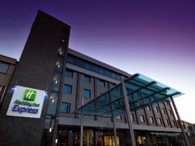 Holiday Inn Express London Heathrow T5 1 of 13