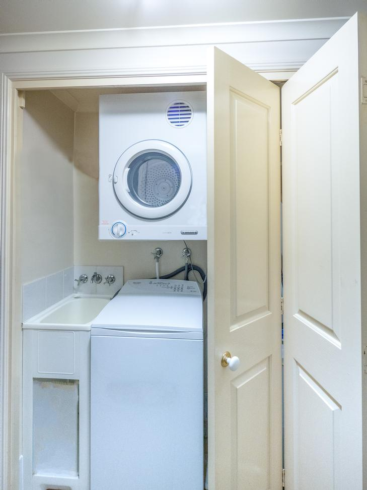 Laundry Facilities / Iron & Ironing Board 11 of 14