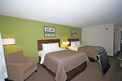 Sleep Inn & Suites-Harbour Pointe-2 Queen Beds 5 of 13