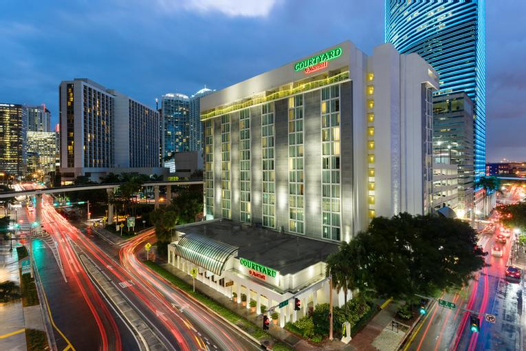 Courtyard Marriott Miami Downtown / Brickell Area 1 of 13