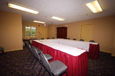 Meeting Room For Up To 18 U Shaped 9 of 10