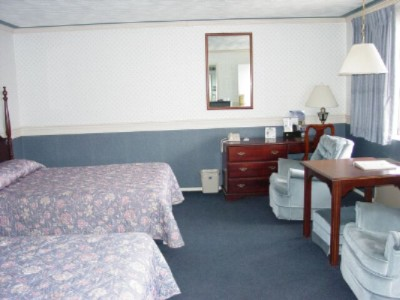 Standard Room 2 Queen Beds 9 of 10