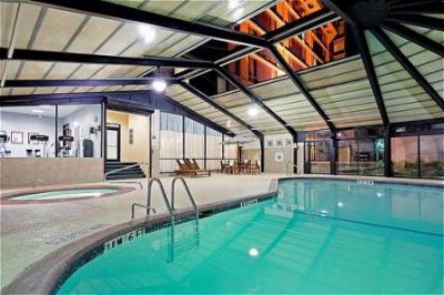 Indoor Pool With Retractable Room 5 of 13