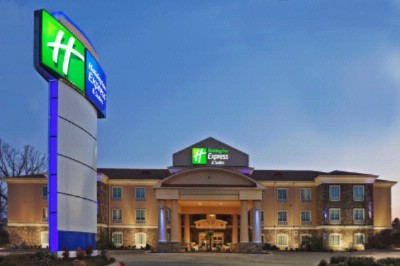 Holiday Inn Express 1 of 15