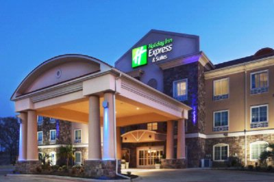 Holiday Inn Express & Suites 3 of 15