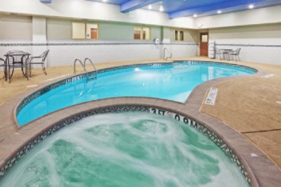 Indoor Heated Pool & Spa 9 of 15