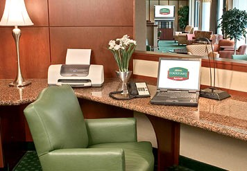 Courtyard by Marriott Raleigh / Cary 1 of 4