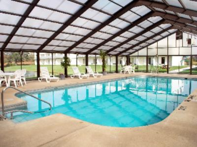 Full Size Heated Indoor Pool 2 of 5