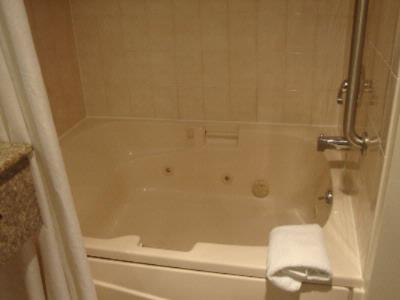 Jetted Tub In King Size Bed Only 3 of 3