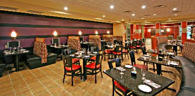 Bistro 515 Located Inside Holiday Inn Hotel & Suites Gateway 6 of 6