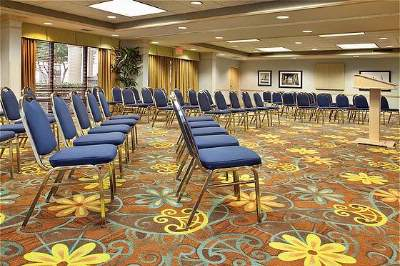 Flexible Meeting Space 12 of 29