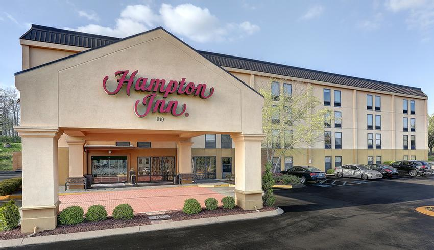 Hampton Inn Hickory Hollow 1 of 6