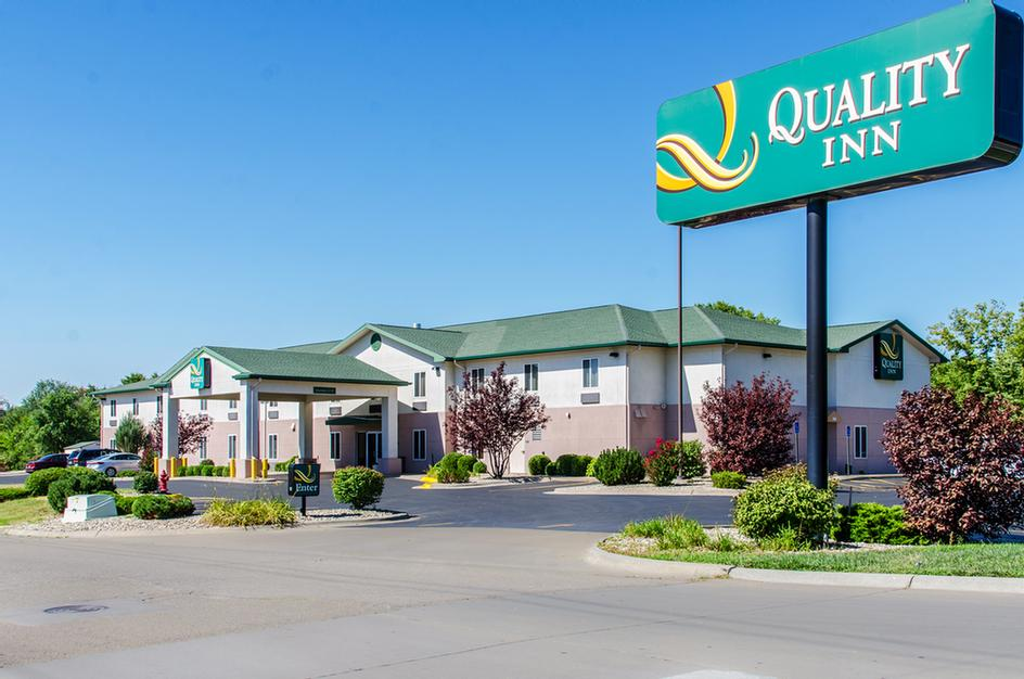 Quality Inn Near Fort Riley 305 East Chestnut St. Junction City KS 66441