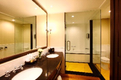 Sofitel Phnom Penh -Bathroom 7 of 7