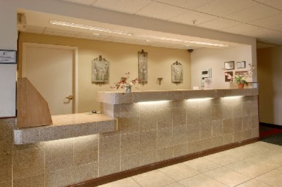 Front Desk 3 of 10