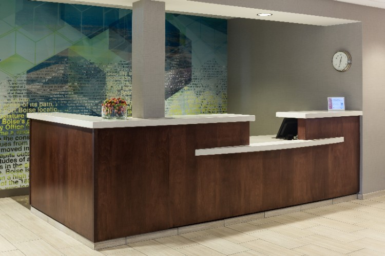 Front Desk 19 of 19
