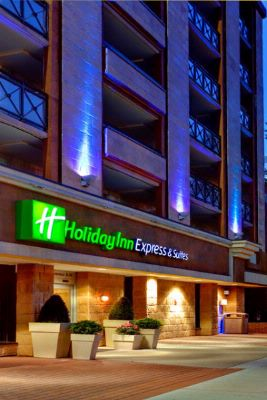 Holiday Inn Express & Suites Downtown Calgary 1 of 13