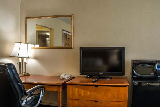 Most Rooms Come With Flat Screen Tvs And Microwave/refrigerators 7 of 9
