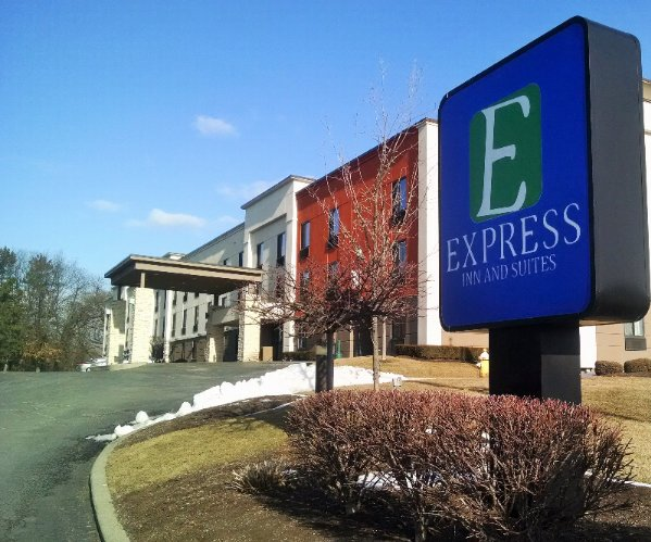 Express Inn & Suites Wolf Road 1 of 15