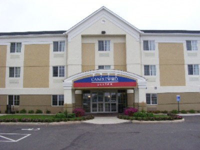 Candlewood Suites 1 of 11