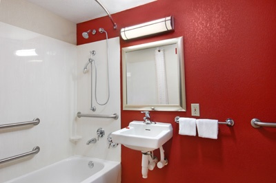 Accessible Bathroom With Tub 5 of 7